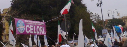 Livebloggin da Piazza San Giovanni. Flop di partecipazione, non di abusi