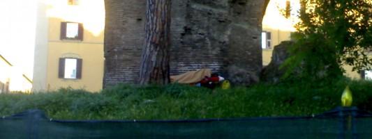 A Roma, dormire nel cantiere