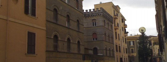 Cerchiamo notizie sui palazzi misteriosi del Rione. Ne sapete qualcosa?