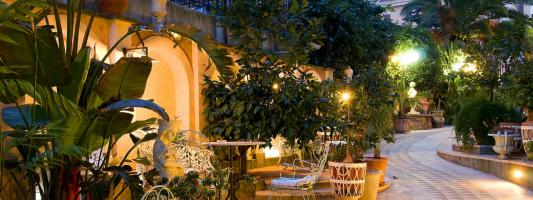 Questo Rione non è un albergo. Anzi sì