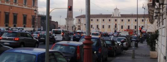 Avete notato l'ennesimo sfregio in Piazza San Giovanni