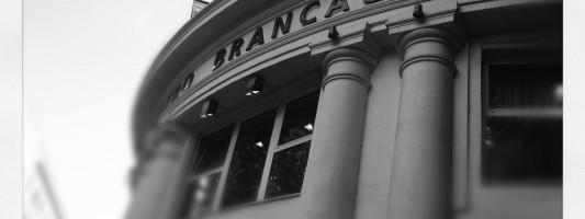 Brancaccio. Un teatro senza pace