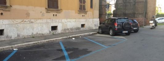 Il grande bluff: a Roma si parcheggia male perché non ci sono i posti. Ecco le prove che non è così