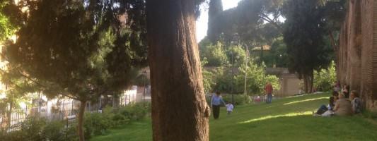 Parco di Via Statilia. Un pezzettino di Zurigo nel suk Esquilino. Ancora per quanto?