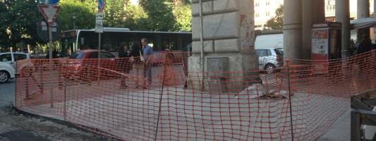 I bizzarri lavori a Piazza Vittorio ci sembrano una sòla, ma speriamo di sbagliarci
