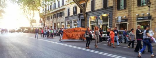 Merulana e la ridicola manifestazione anti Fori pedonali. Un flop sul quale dobbiamo tutti ridere a squarciagola