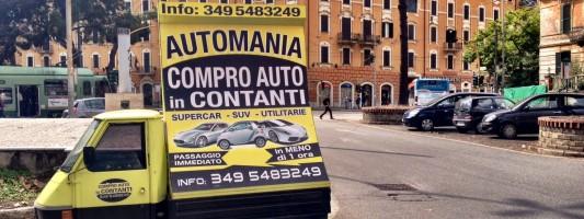 L'Ape pubblicitaria abusiva in mezzo a Piazza di Porta Maggiore. Aspettiamo che mieta qualche incidente?