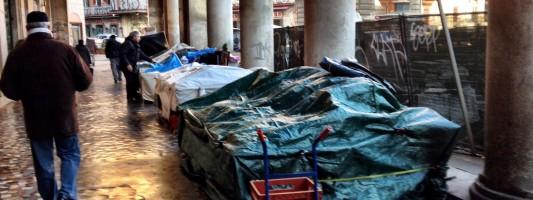 Salutare il 2013 e accogliere il 2014 con l'orribile mercatino di Piazza Vittorio. Grazie a chi?