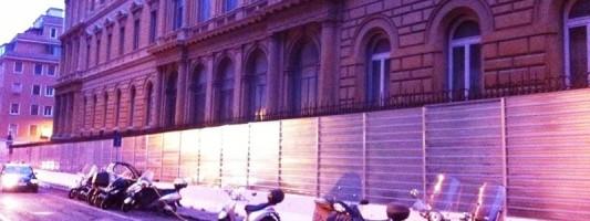 """C'è vita al cantiere di Piazza Dante. Il progetto """"Cantiere dei Poeti"""""""