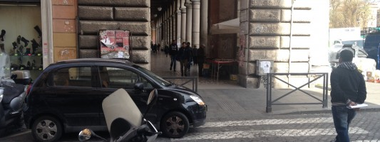 La triste storia della macchinetta nera a Via Machiavelli angolo Piazza Vittorio