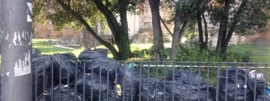 Piazzale Labicano e Piazza di Porta Maggiore nel più totale abbandono