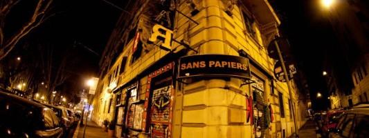 Tragedia al centro sociale Sans Papier. Mamma uccide figli e si impicca
