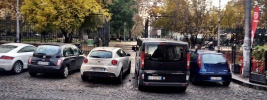 A cosa serve recuperare i giardini di Piazza Vittorio se poi sono inaccessibili?