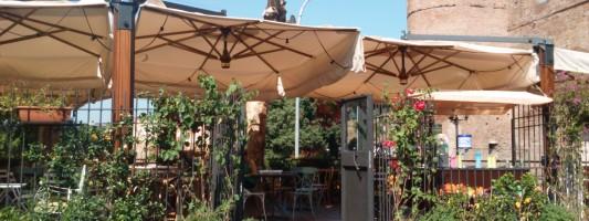 Le Foodie a Piazzale Appio. Un vecchio bar si trasforma in locale assai gradevole